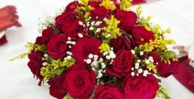 Cómo hacer el ramo de rosas perfecto para regalar